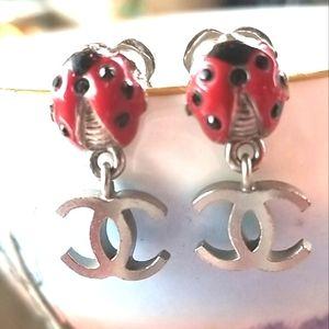 💯CHANEL🐞CC 🐞Red ENAMEL Ladybug Post Earrings
